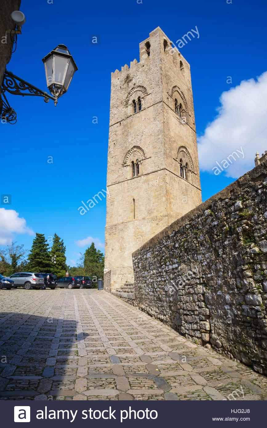 El Duomo, Erice, Sicilia, Italia, Europa Erice, Sicilia, Italia Imagen De Stock