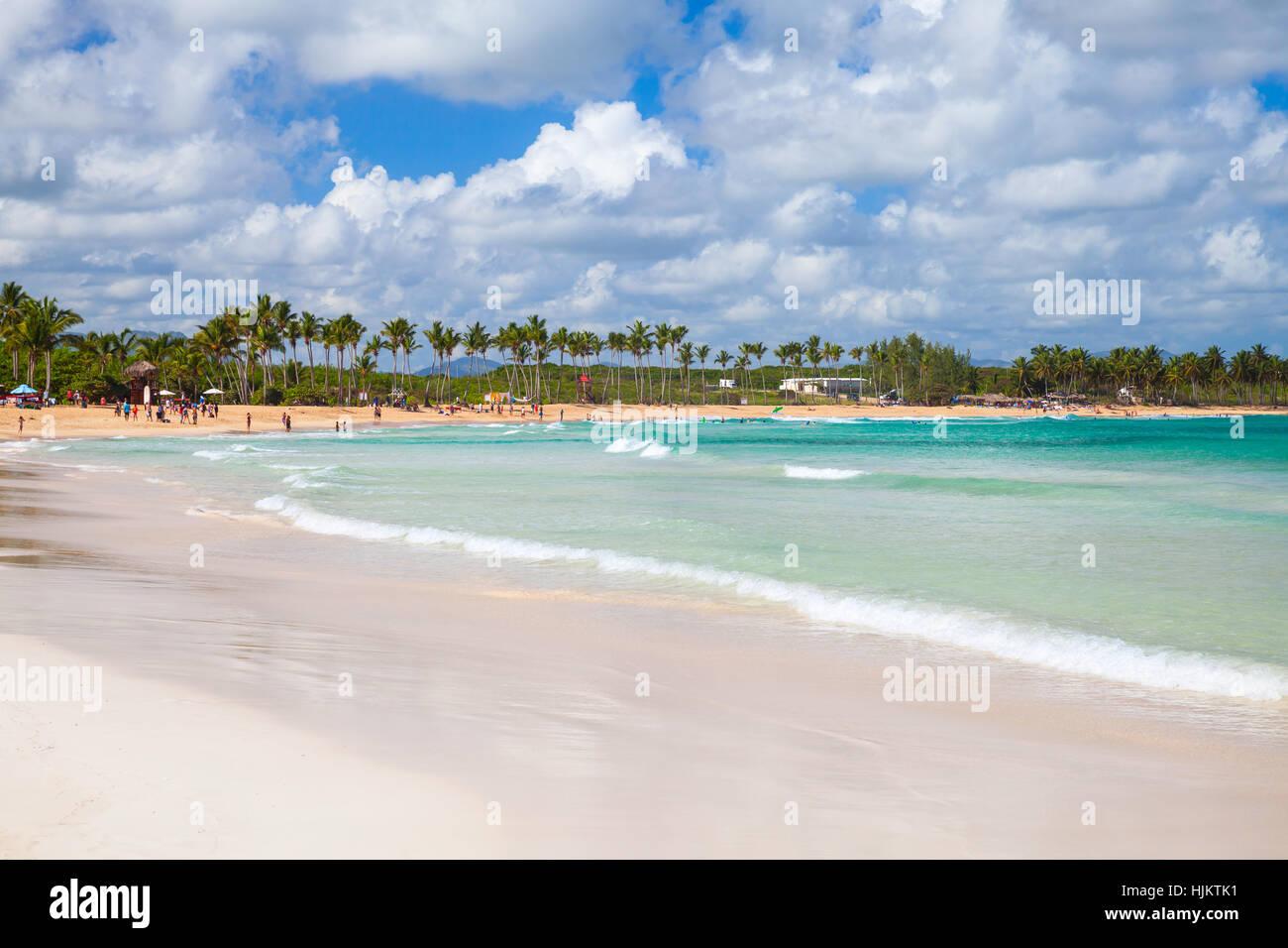 Paisaje de playa de Macao, el popular complejo turístico de República Dominicana, Isla Hispaniola Imagen De Stock