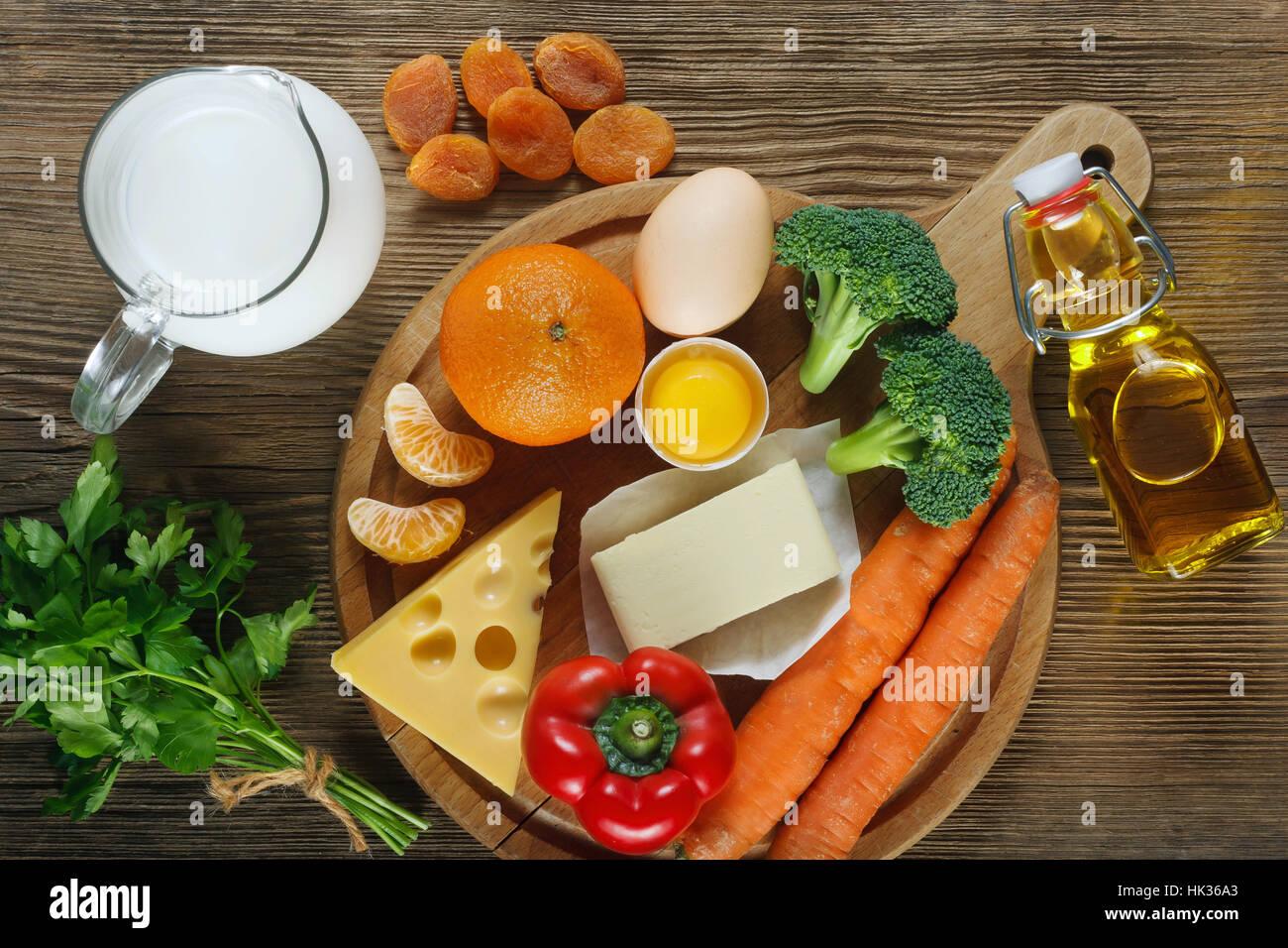 La vitamina A en los alimentos. Imagen De Stock