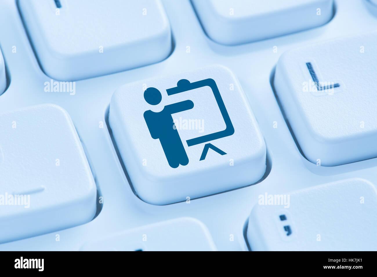 Formación coaching educativo taller de aprendizaje online internet símbolo azul teclado de ordenador Imagen De Stock