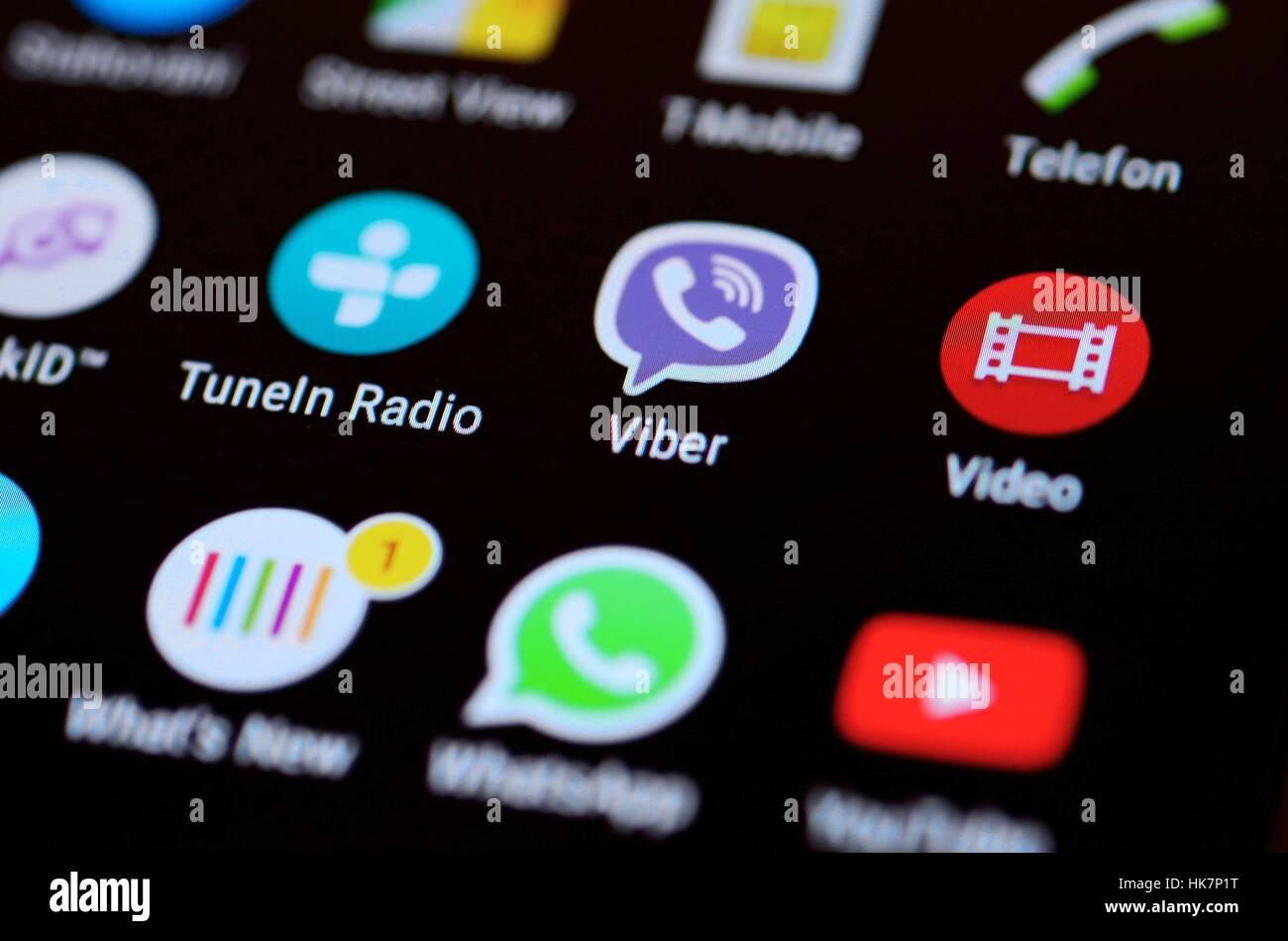 Pantalla de teléfono móvil con los iconos de las aplicaciones de Android. Imagen De Stock