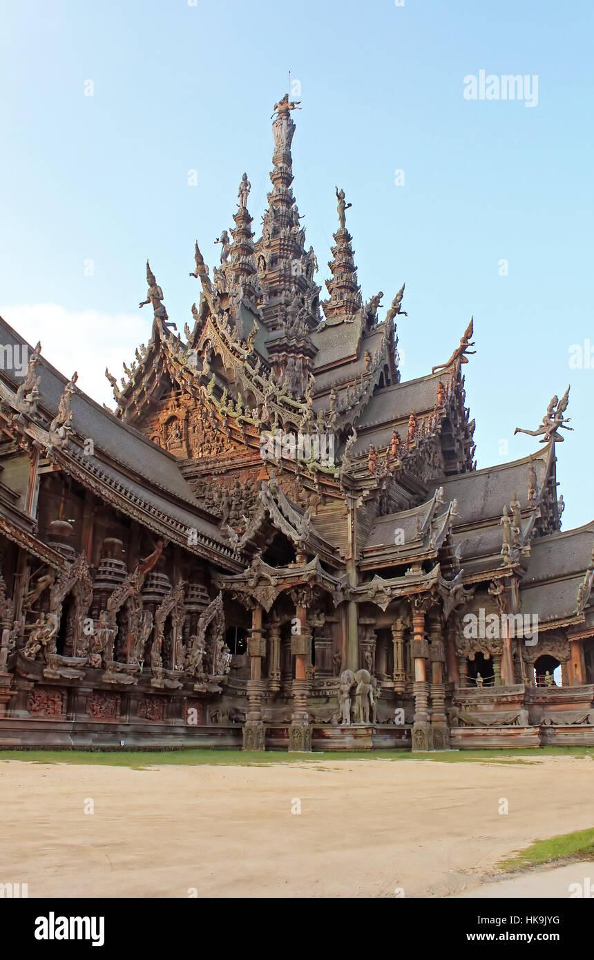 El santuario de la verdad templo (también llamado Wang Boran y Prasat Mai). En Pattaya, Tailandia Foto de stock