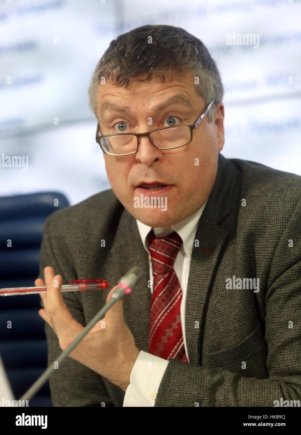 Moscú, Rusia. 27 ene, 2017. Ciaran Devane, jefe ejecutivo del Consejo Británico, en una conferencia de prensa en Foto de stock