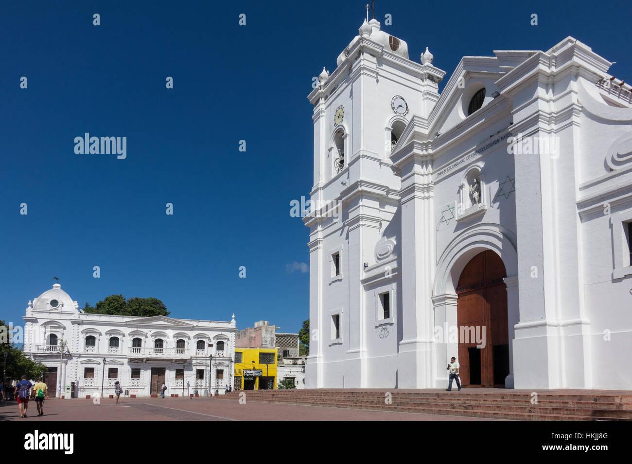 Colombia, Magdalena, Santa Marta, en la plaza de la catedral. Imagen De Stock