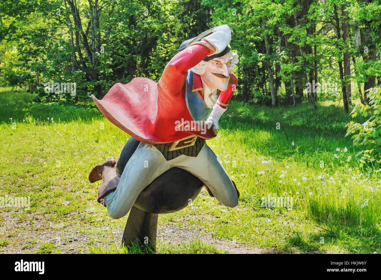 La figura del Barón de Munchausen está ubicado en Dunte, municipio Liepupe, Vidzeme (Livonia), Letonia, Países Bálticos, Europa Foto de stock