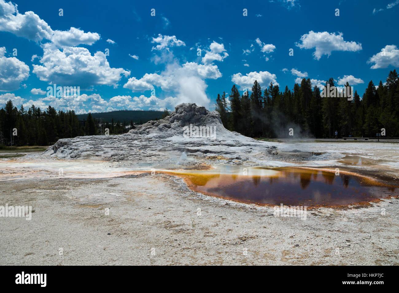 La Cuenca del Géiser Superior, el Parque Nacional Yellowstone, Wyoming, EE.UU. Foto de stock