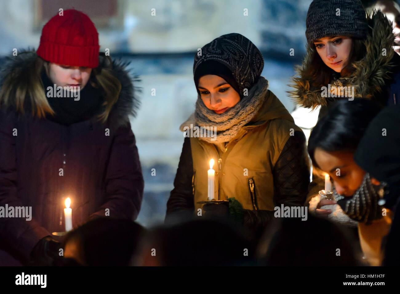 Vigilia en apoyo de víctimas de disparos de la mezquita de Montreal tuvo lugar en el University College de la Universidad Foto de stock