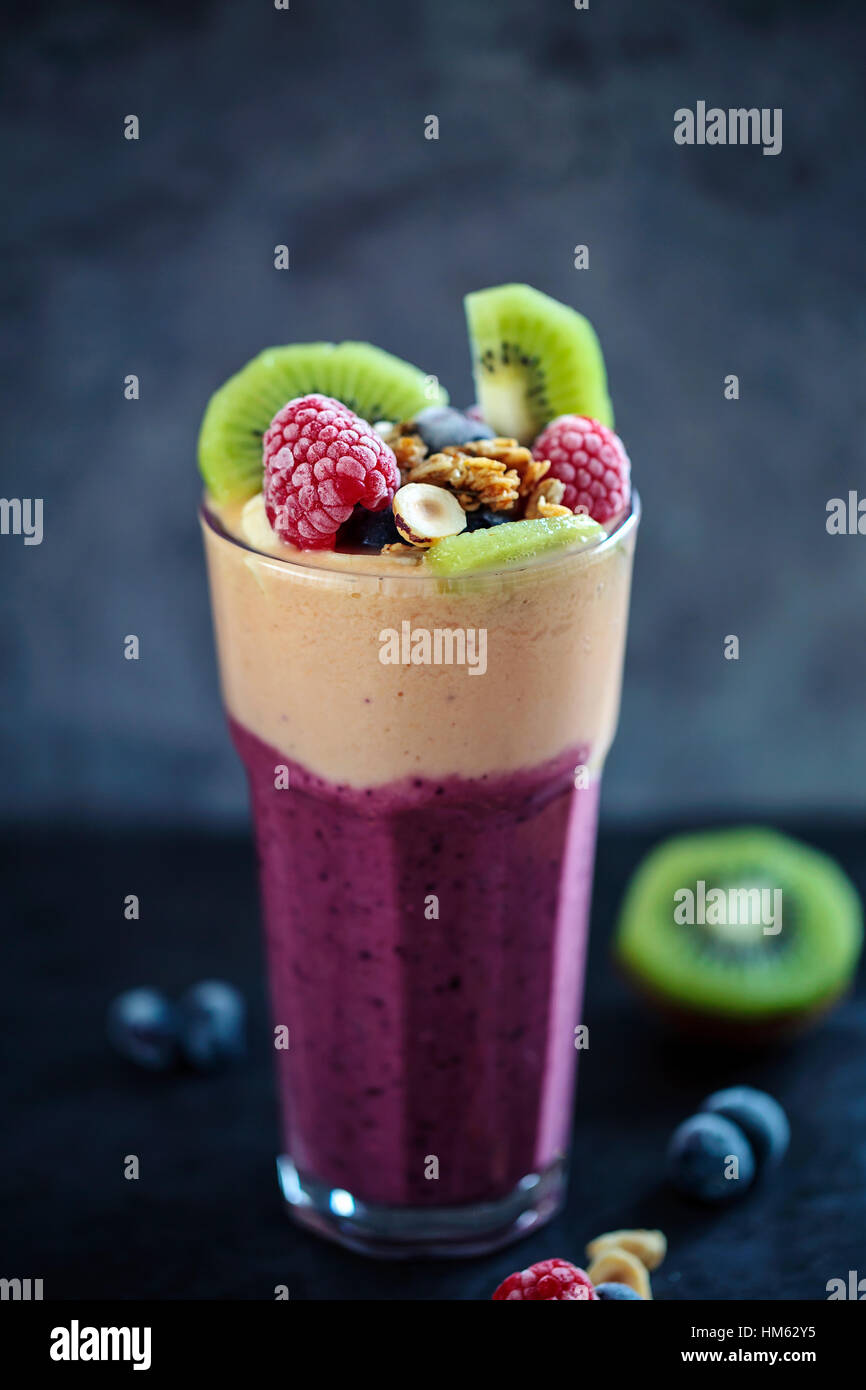 Batido de frutas mixtas Imagen De Stock