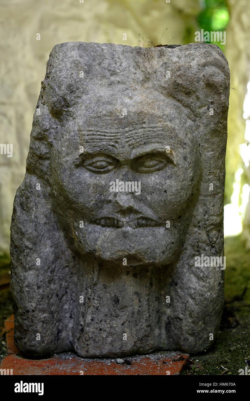 Escultura en piedra tallada matriarcal angustia scream cregan castillo restaurado towerhouse ballyvaughan clare Imagen De Stock
