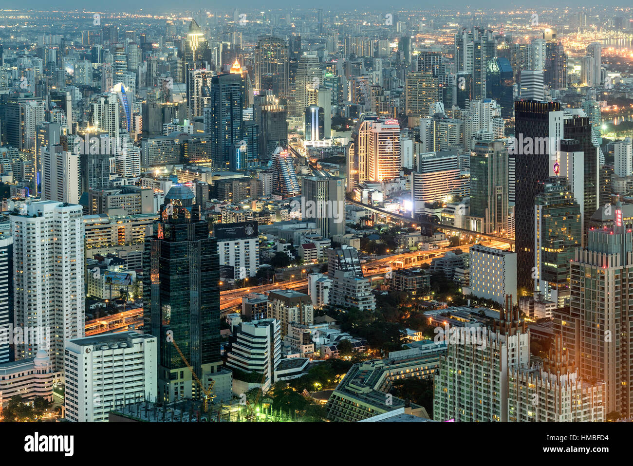 Horizonte y paisaje al anochecer, Bangkok, Tailandia, Asia Foto de stock