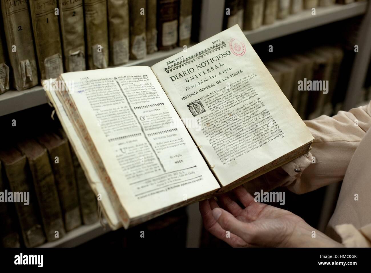 Archivo de raros y manuscritos históricos. Arte Centro Conde Duque de Madrid. España. Imagen De Stock