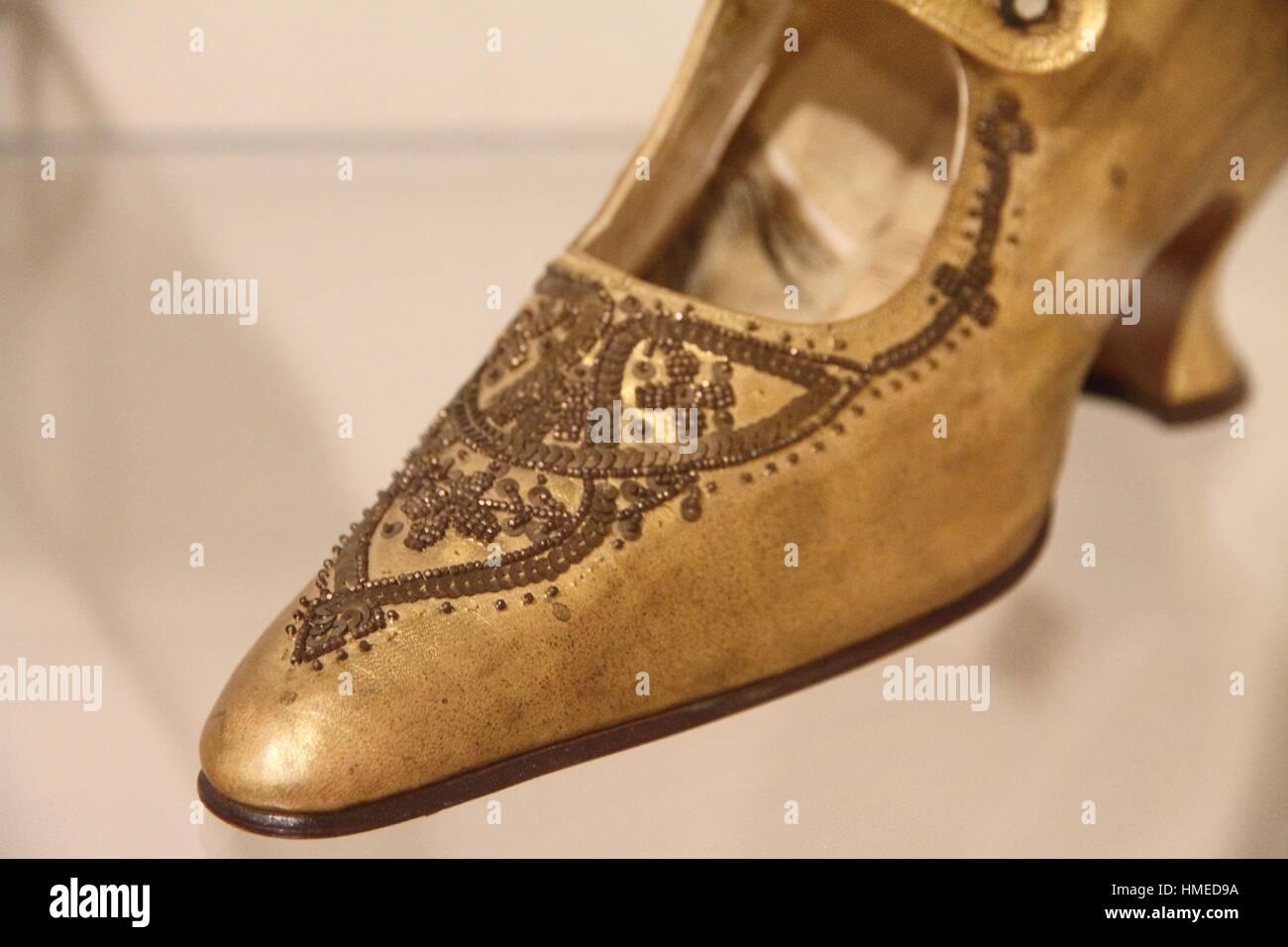 0426fa81a Footwear Museum Imágenes De Stock   Footwear Museum Fotos De Stock ...
