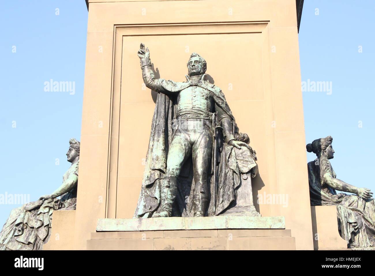 Siglo xix independencia monumento (Onafhankelijkheidsmonument) en plein 1813, Den Haag, Países Bajos. El rey Imagen De Stock