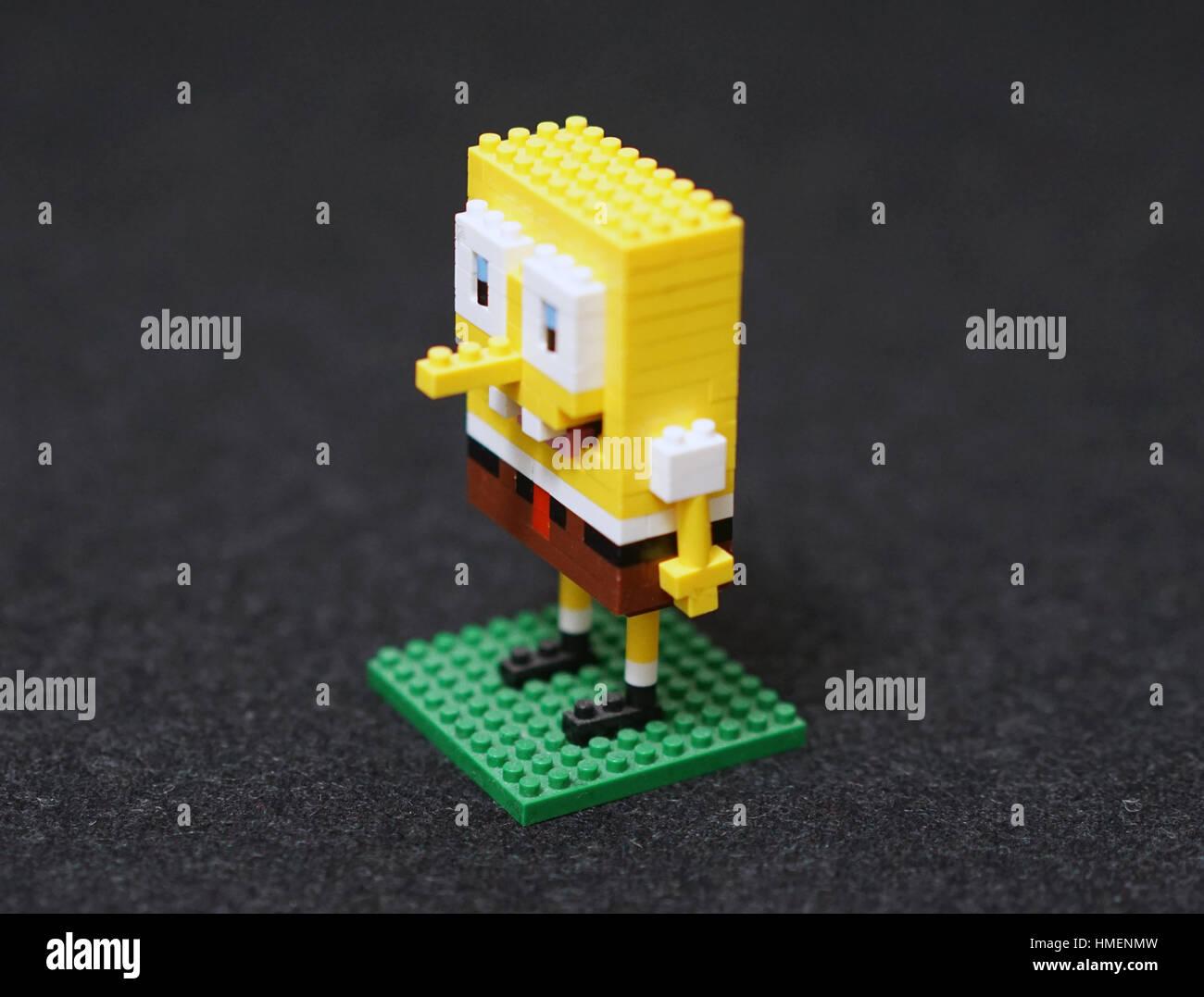 Bob Esponja Sonriente: Spongebob Cartoon Imágenes De Stock & Spongebob Cartoon