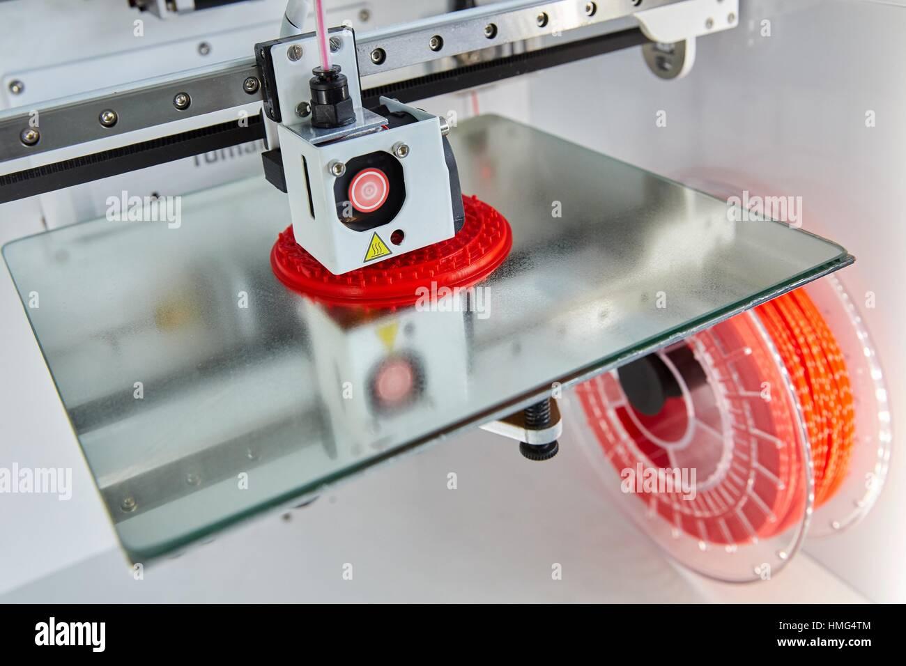 Impresora 3D. Innovadores de metrología aplicada. Metrología Sariki. Elgoibar. Gipuzkoa. Comunidad Autónoma del Foto de stock