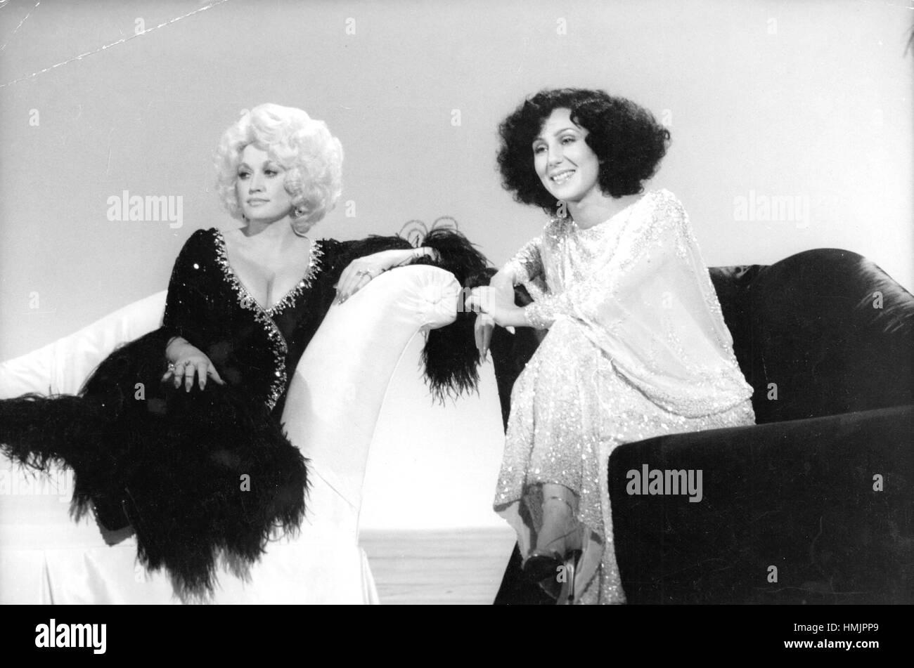 Dolly Parton y Cher en su especial de televisión en 1978. Imagen De Stock