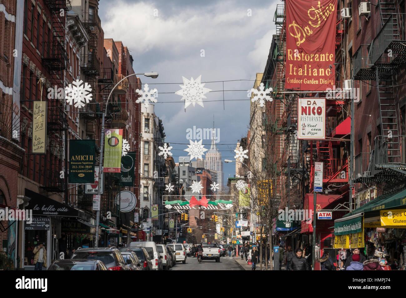 La calle Mulberry, mirando al norte, en la ciudad de Nueva York, EE.UU. Imagen De Stock