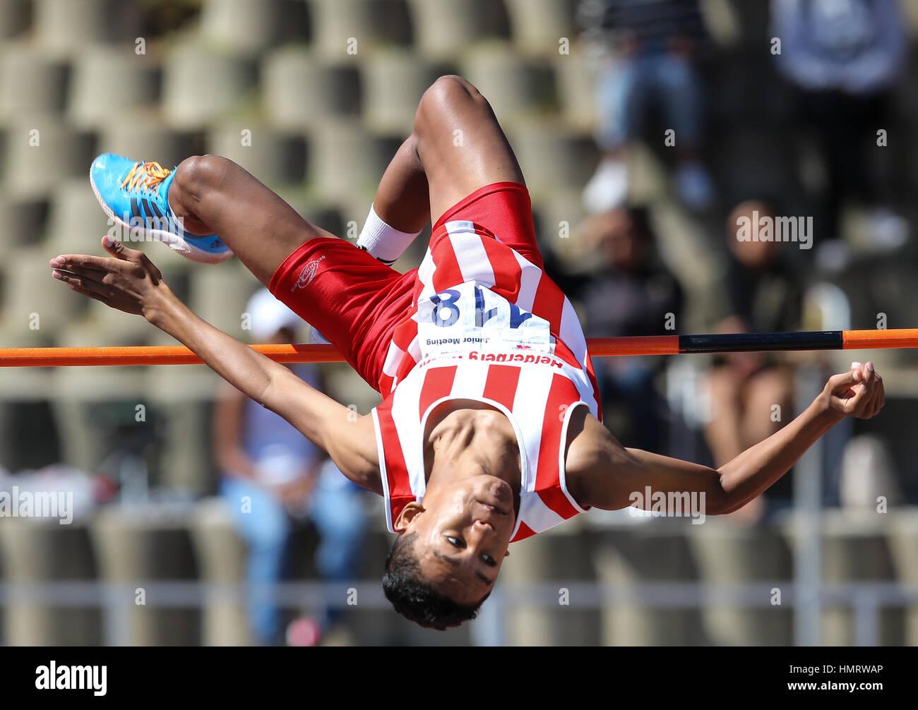 Pista y Campo de atletismo local reunión en Parow, Cape Town, Sudáfrica Foto de stock
