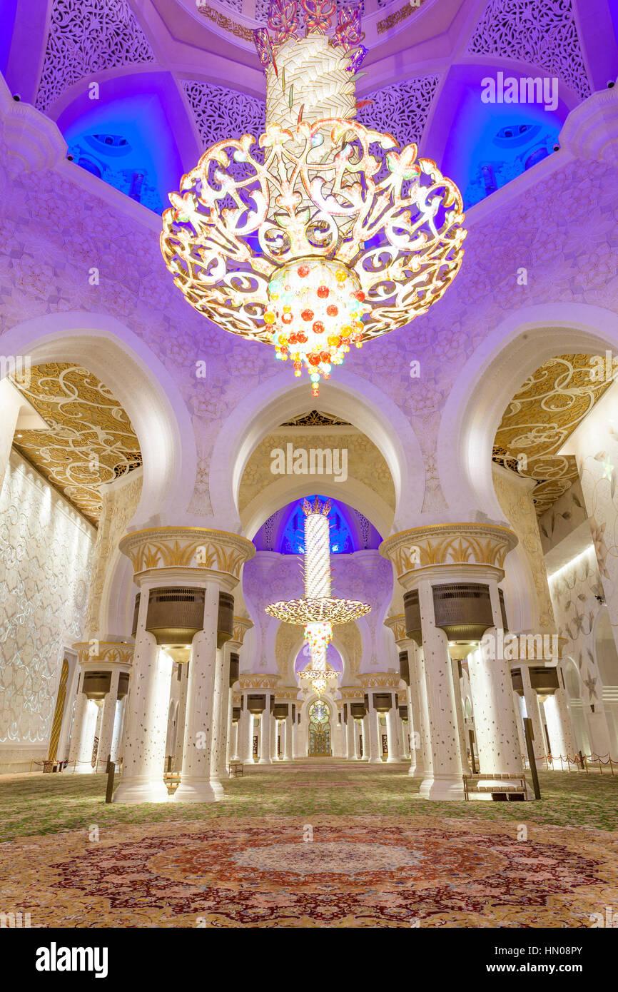 Interior de la Gran Mezquita de Sheikh Zayed. Abu Dhabi, Emiratos Árabes Unidos, Oriente Medio Imagen De Stock