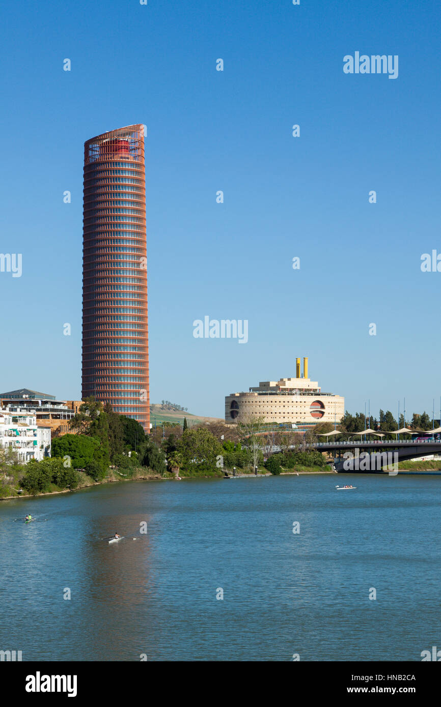 Torre triana im genes de stock torre triana fotos de - Kaiser puerto de la torre ...