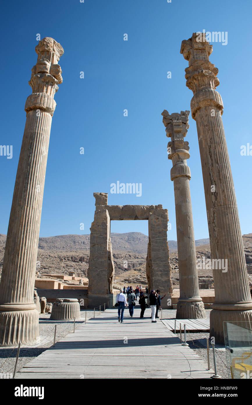 Ruinas de la puerta de todas las naciones, Persépolis, Fars, irán Foto de stock