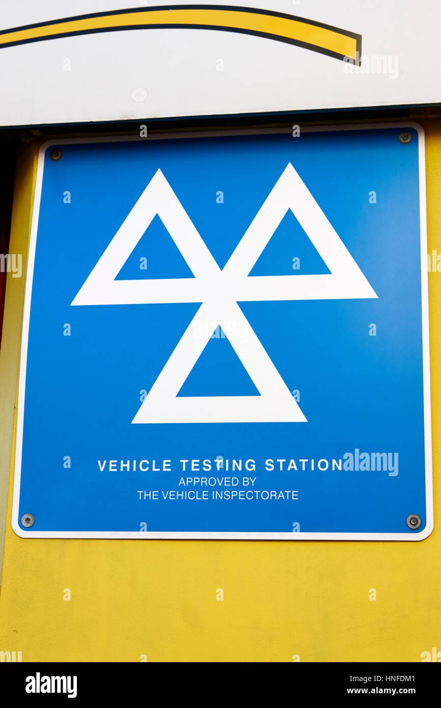 Estación de prueba del vehículo homologado por la inspección técnica de vehículos sign Imagen De Stock
