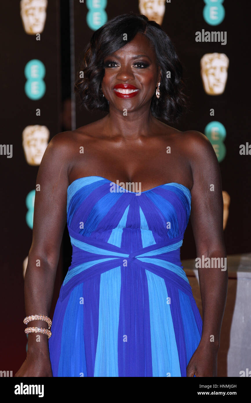 Londres - Feb 12, 2017: La Viola Davis atiende los EE British Academy Film Awards (BAFTA) en el Royal Albert Hall Imagen De Stock