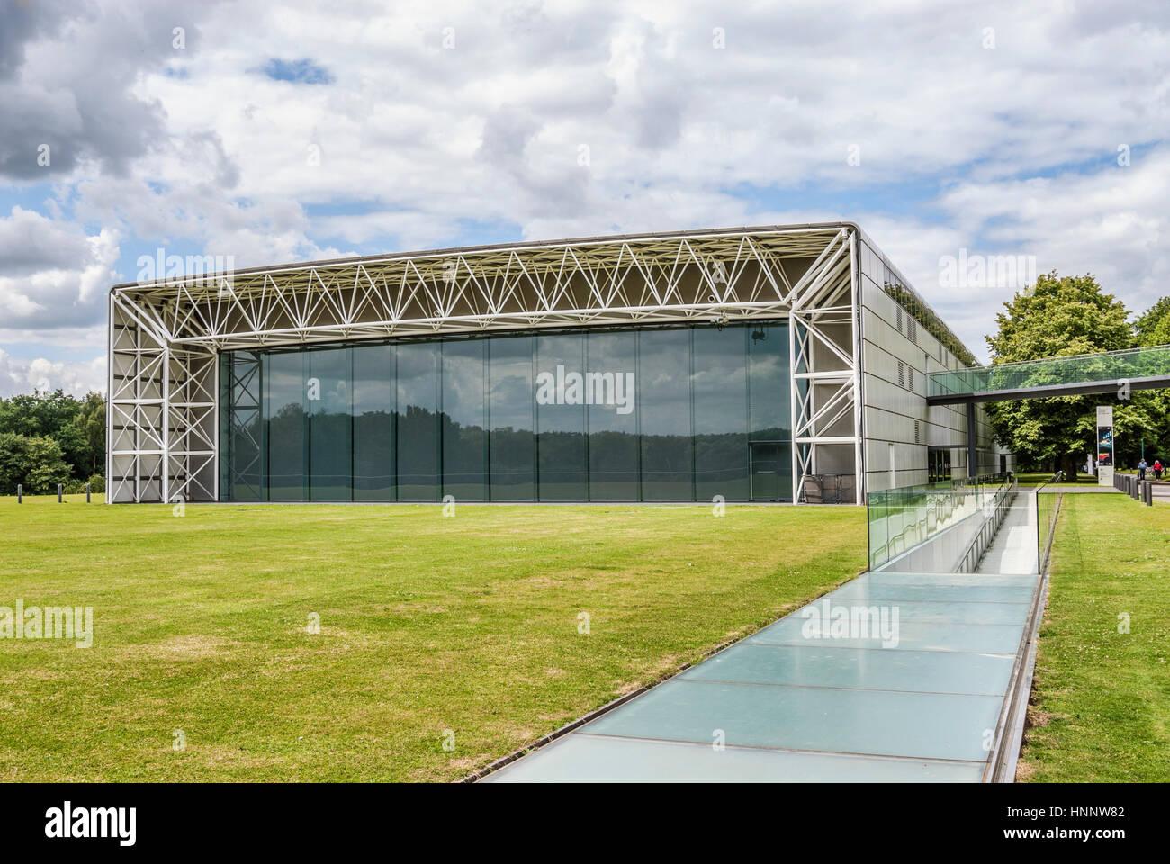 El Sainsbury Centre for Visual Arts es una galería de arte y museo, situado en el campus de la Universidad Imagen De Stock