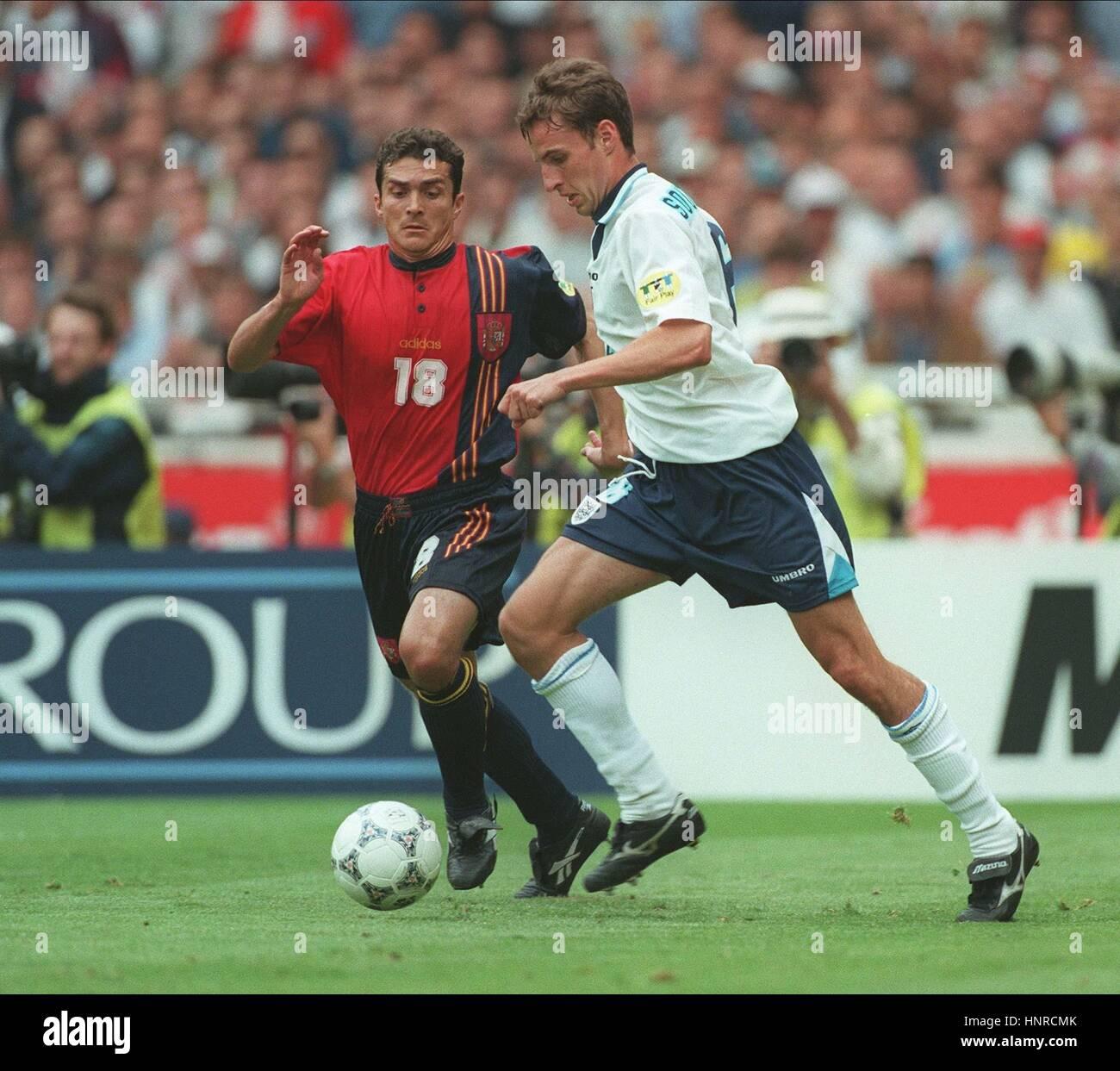 GARETH SOUTHGATE GUILERMO AMOR Inglaterra contra España el 22 de junio de 1996 Imagen De Stock