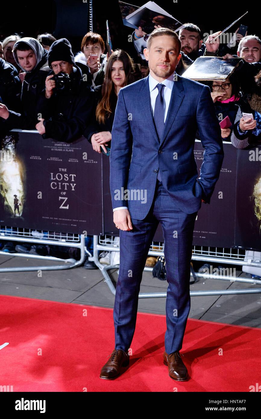 Londres, Reino Unido. 16 de febrero de 2017. Charlie Hunnam llega al estreno británico de la ciudad perdida Imagen De Stock