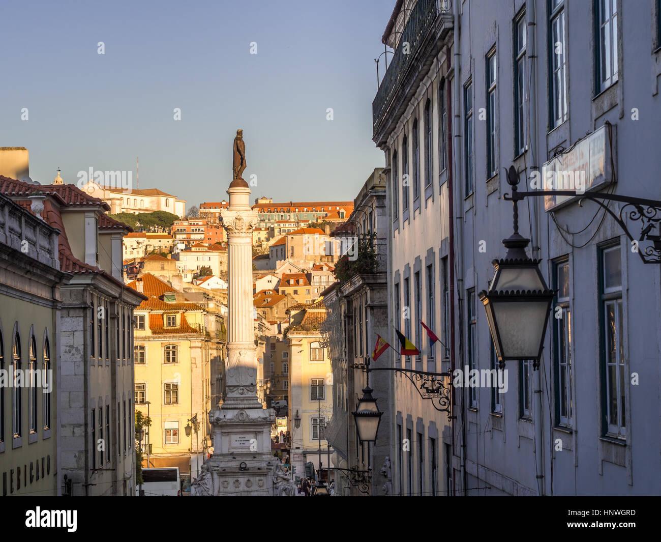 Lisboa, Portugal - 10 de enero de 2017: Columna de Pedro IV en el Rossio Square (Plaza de Pedro IV), celebrada en Imagen De Stock