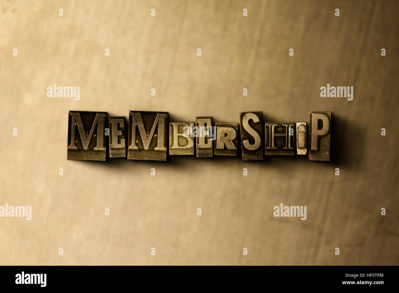 Composición - Cierre de sucio vintage tipografía palabra sobre metal como telón de fondo. Royalty Imagen De Stock