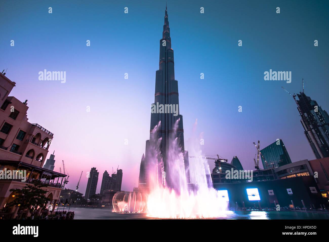 Los impresionantes rascacielos Burj Khalifa Imagen De Stock
