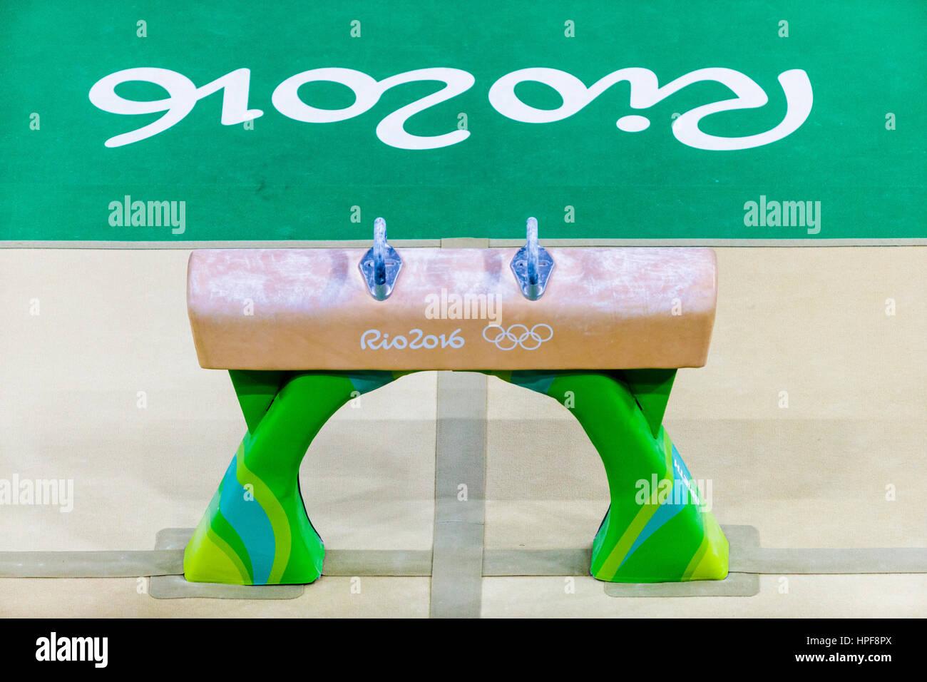 Río de Janeiro, Brasil. 08 de agosto de 2016. Pomo caballo durante los hombres equipo artístico final en los Juegos Olímpicos de Verano de 2016. ©Paul J. Sutton/PCN Fotografía Foto de stock