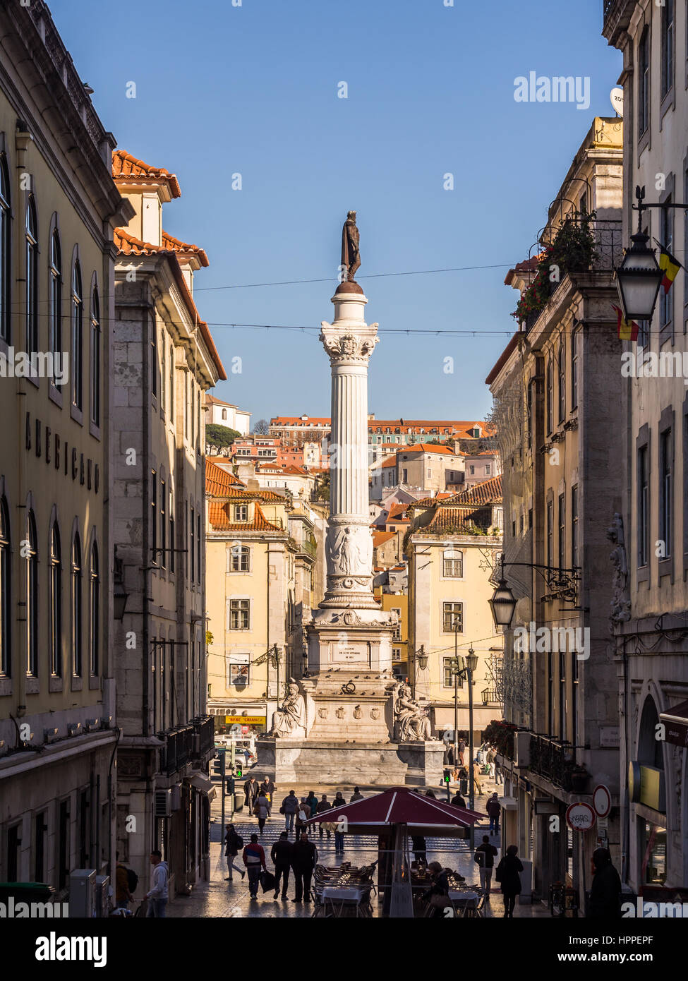 VertLISBON, Portugal - 10 de enero de 2017: Columna de Pedro IV en el Rossio Square (Plaza de Pedro IV), celebrada Imagen De Stock