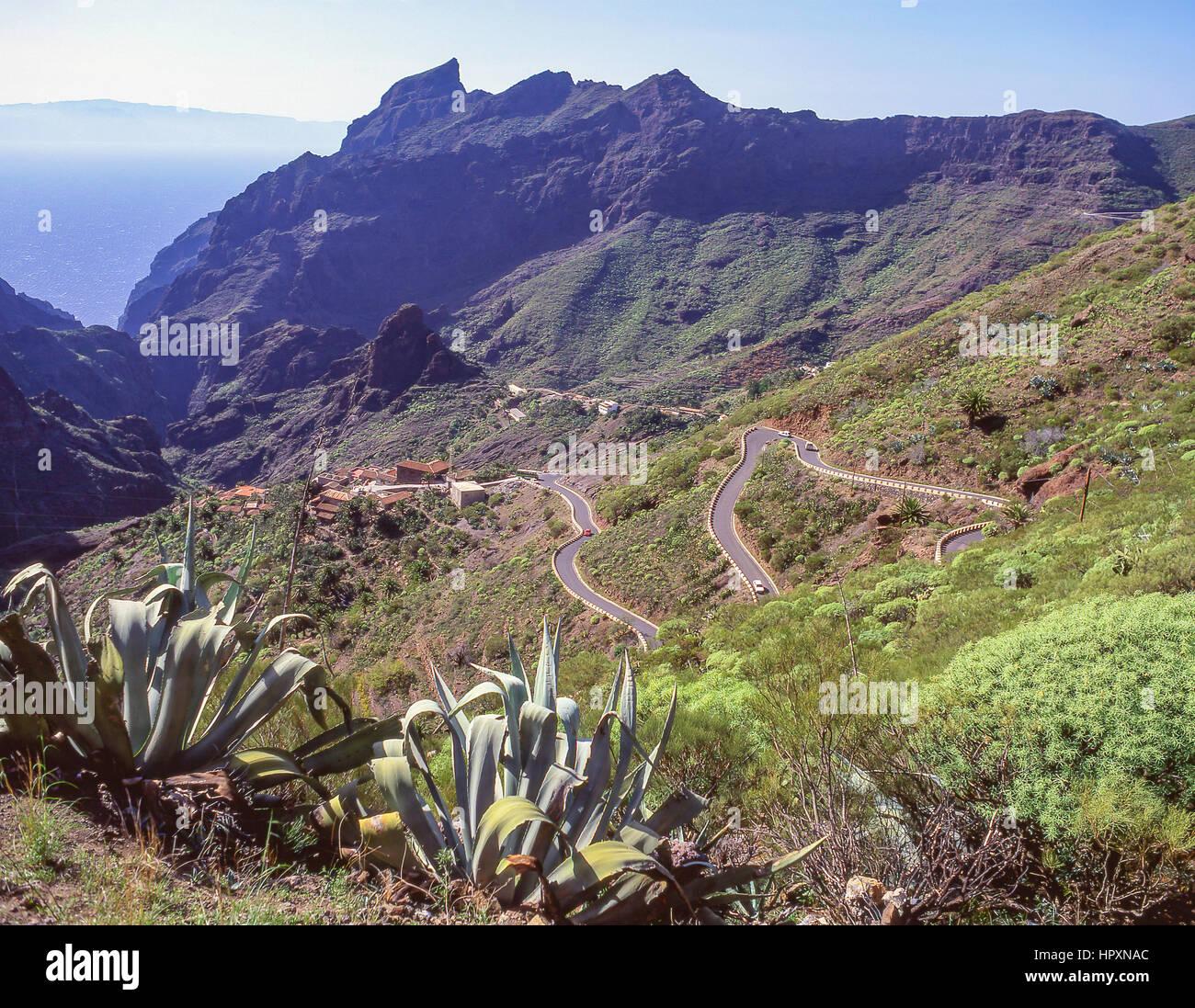 Mirador en la carretera hasta el pueblo de Masca, Teno, Tenerife, Islas Canarias, España Imagen De Stock