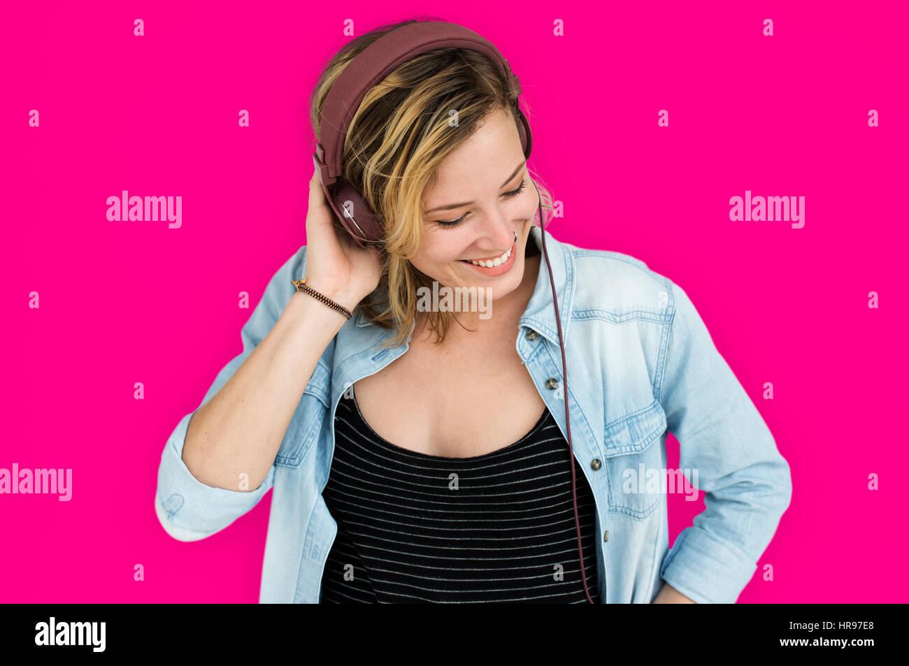 Señora caucásica embarrassed Studio Concepto Imagen De Stock