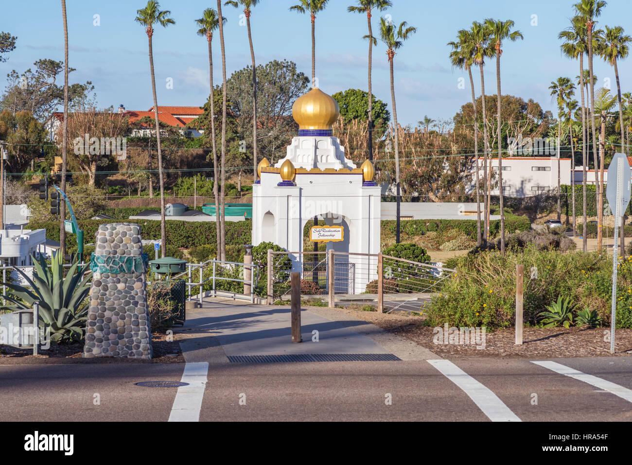 El Golden Lotus Domo de la auto realización becas. Encinitas, California. Imagen De Stock