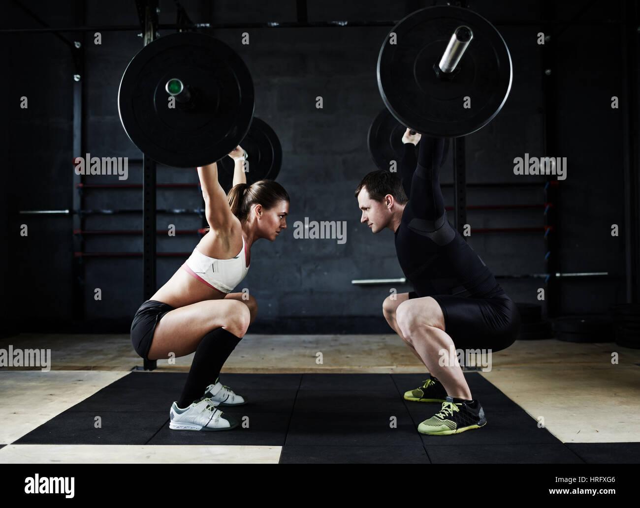 Imagen Vista Lateral De Motivación Del Joven Y La Mujer