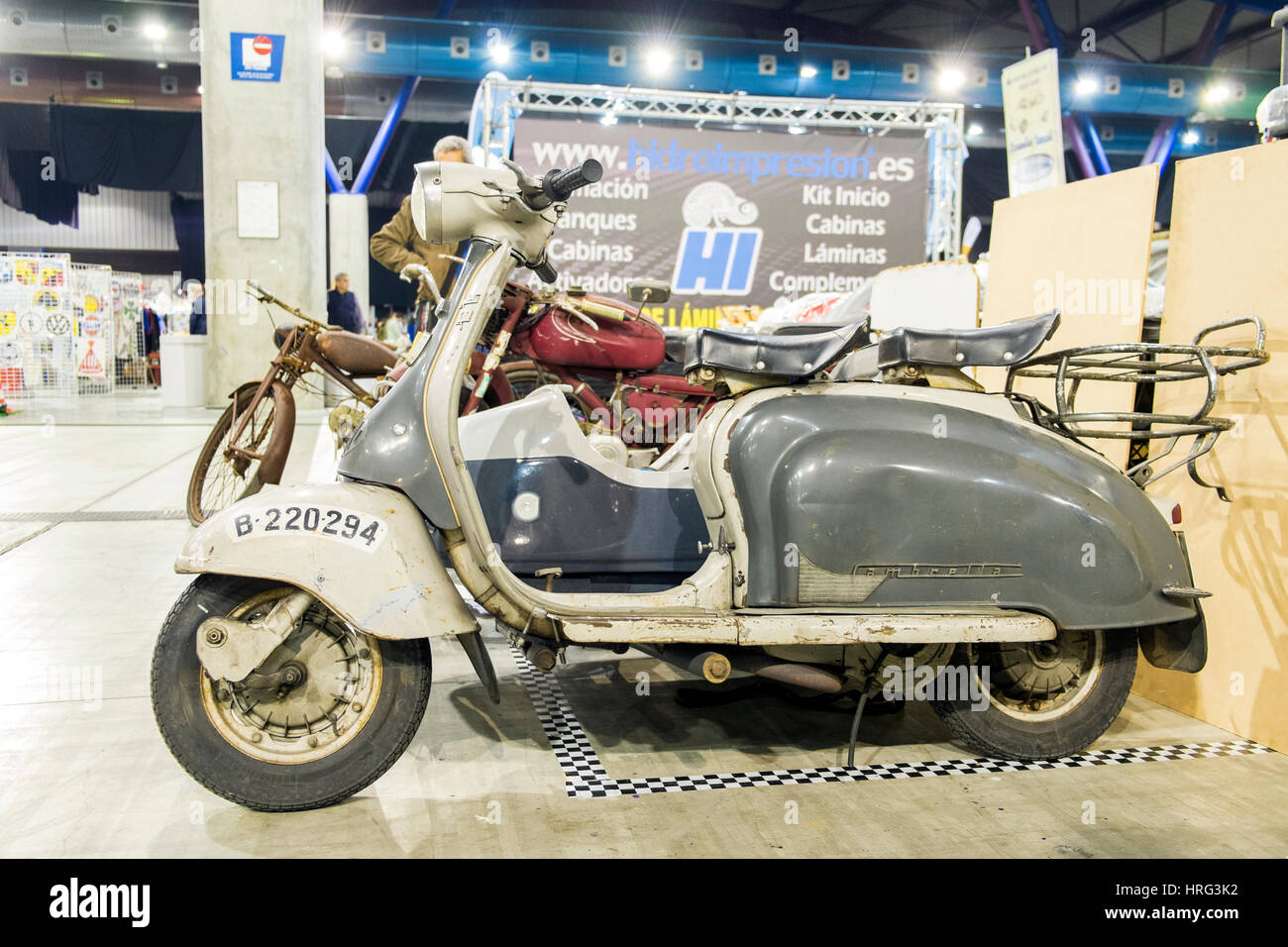 1960 Lambretta. Placa de Barcelona, España Foto de stock