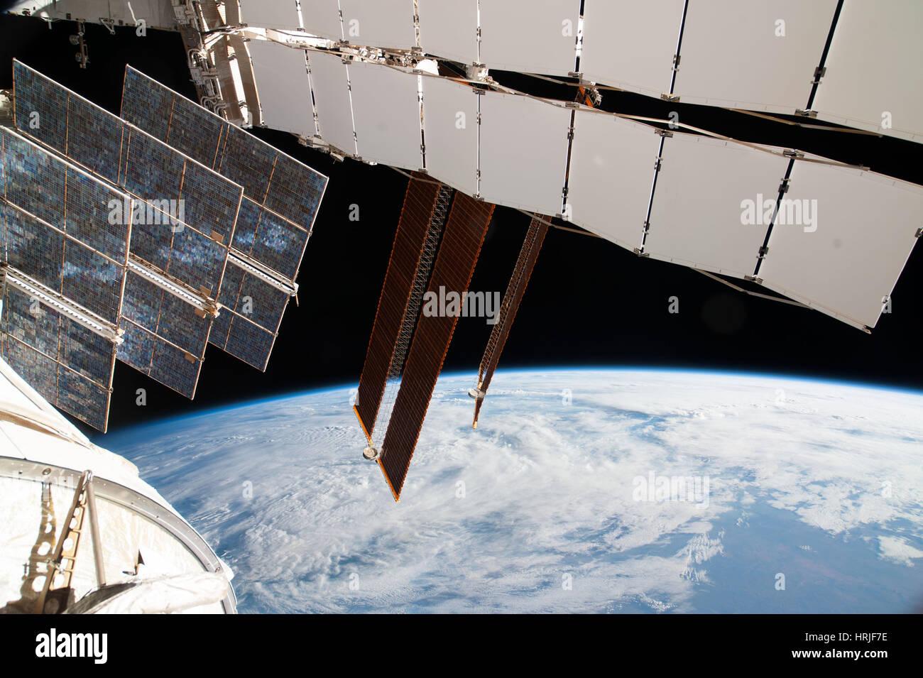 Expedición, ISS 38 paneles solares, 2014 Imagen De Stock