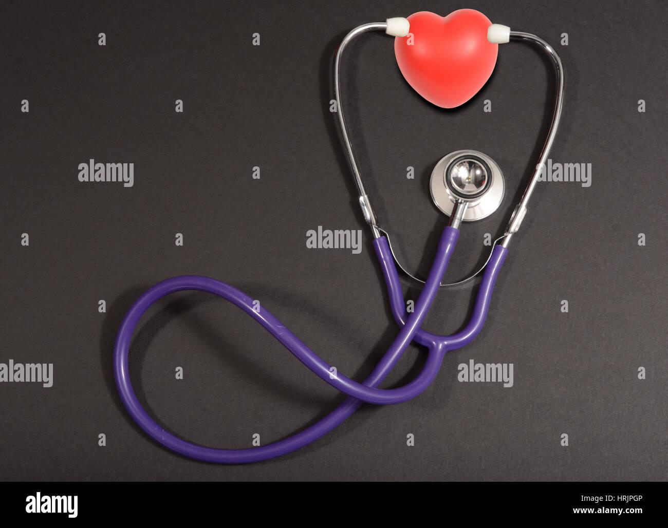 Corazón del estetoscopio, concepto Foto de stock