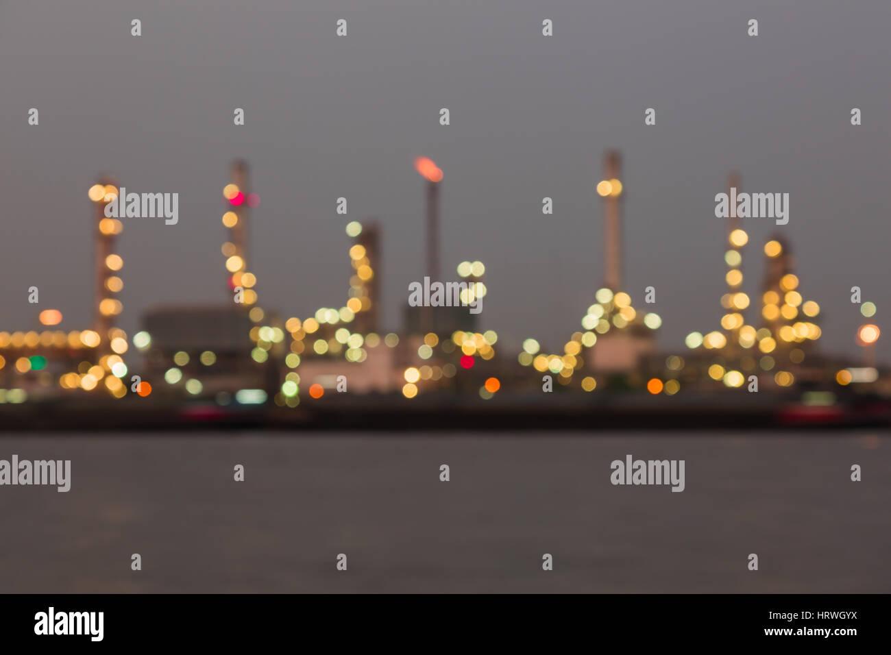 Bokeh de fondo abstracto colorida planta industrial de refinería de petróleo en la noche Foto de stock