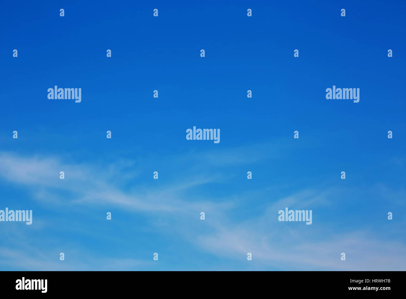 Soft Focus de nubes y el cielo azul antecedentes Foto de stock