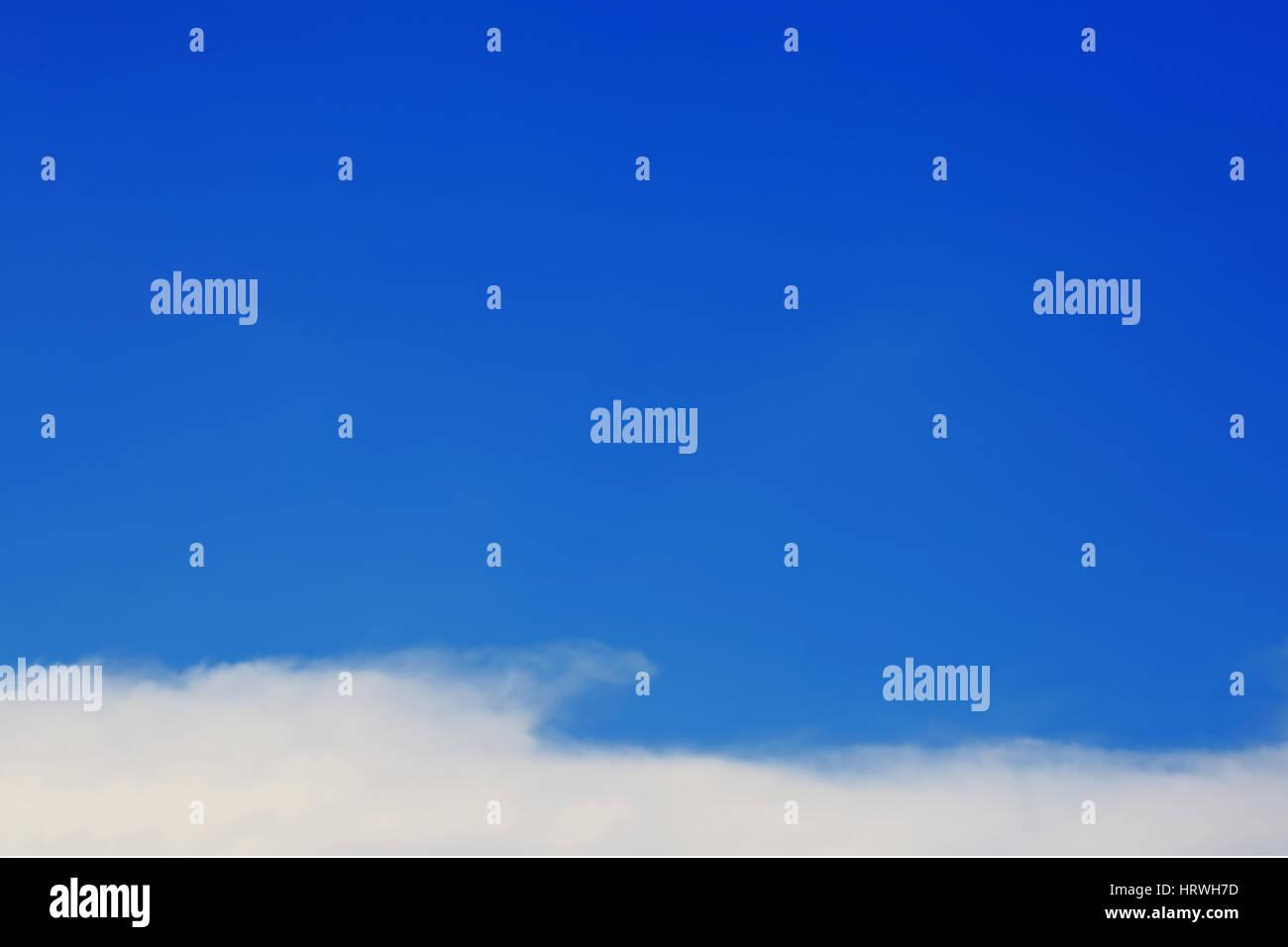 Foco suave de fondo de cielo azul Foto de stock