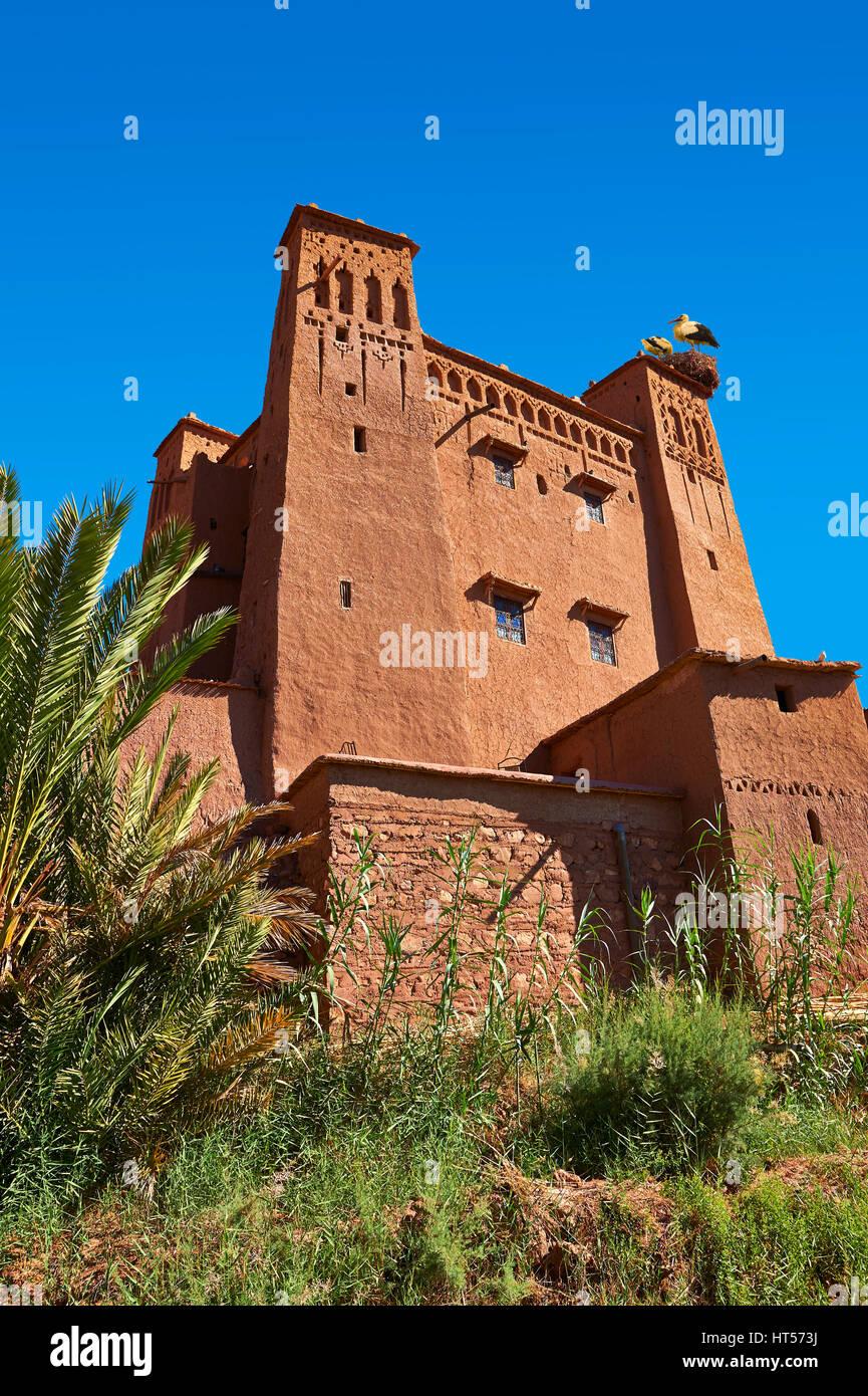 Edificios de adobe del Ksar bereber o pueblo fortificado de Ait Benhaddou, Sous-Massa-Dra Marruecos Imagen De Stock