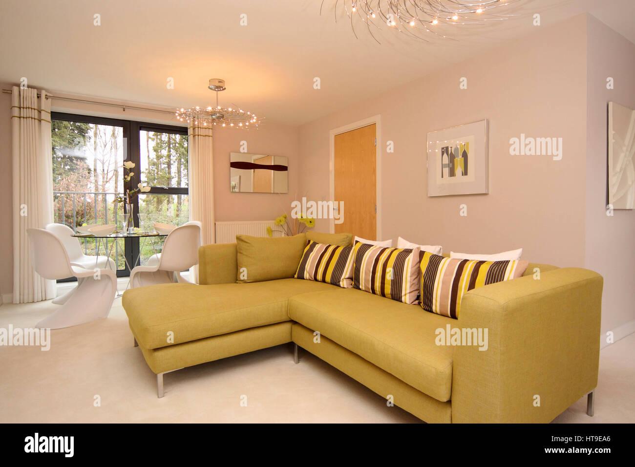 Portada interior, salón, decoración moderna, nueva construcción ...
