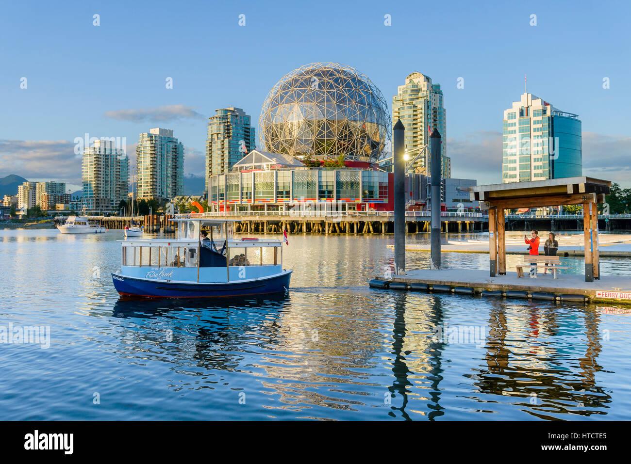 Muelle de Transbordadores, a False Creek de Vancouver, British Columbia, Canadá Foto de stock