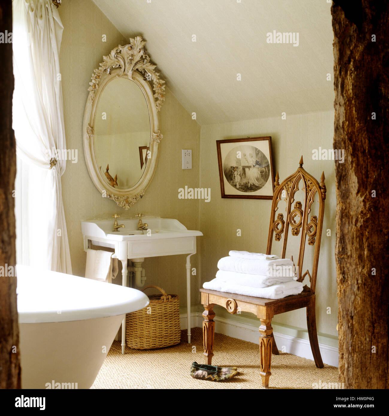 Cuarto de baño de estilo campestre Foto & Imagen De Stock ...