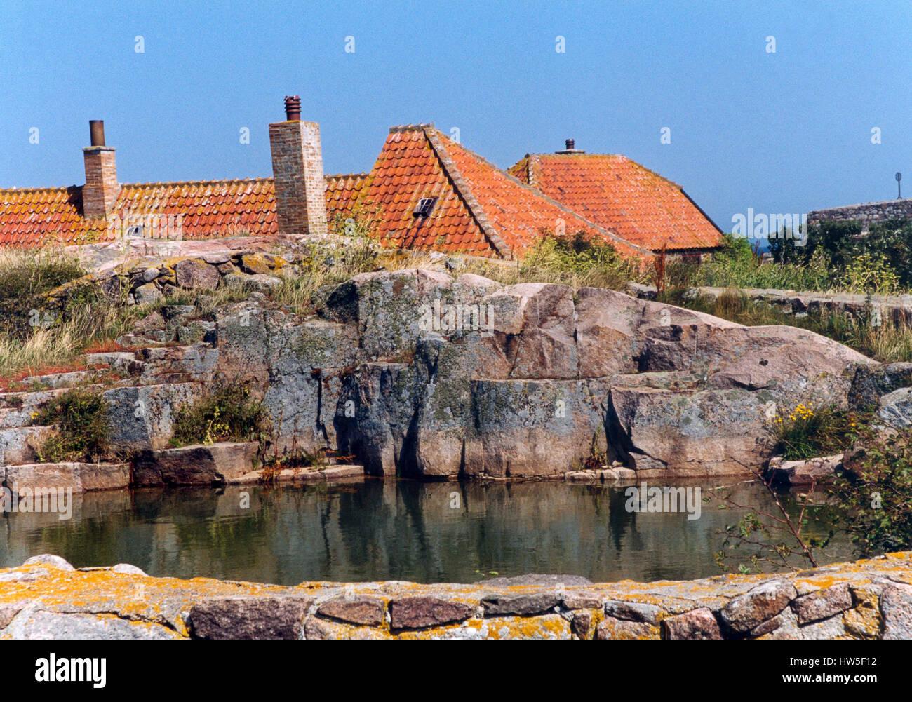 Dinamarca CHRISTIANSÖ represa en el granito, con suministro de agua 2005 Imagen De Stock